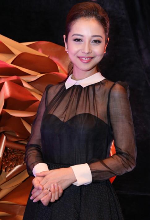 Sao Việt khoe phong cách thời trang trong đêm tiệc