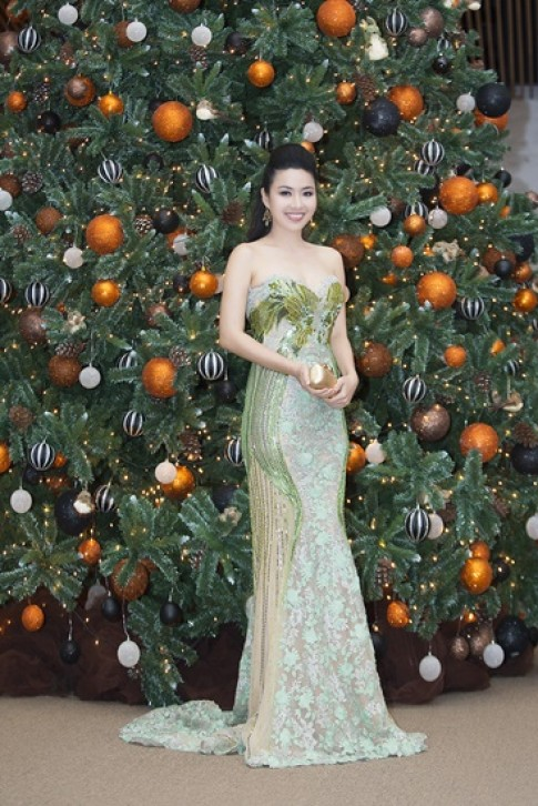 Sao Việt khoe phong cách trên thảm đỏ Tuần thời trang (tiếp)