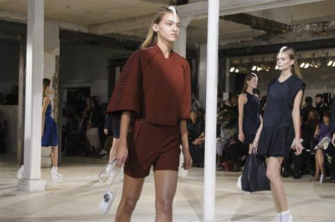 Show thời trang kết hợp cùng công nghệ