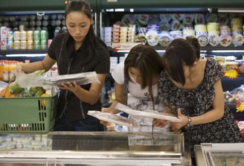Siêu mẫu tương lai chạy đua chọn thực phẩm