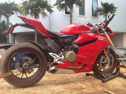 Siêu mô tô Ducati 1199 Panigale đã về Việt Nam?