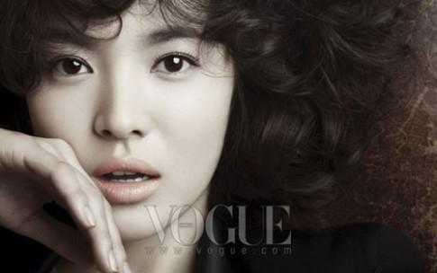 Song Hye Kyo trang điểm biến hóa trên tạp chí