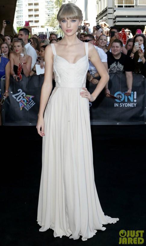Taylor Swift thành 'công chúa thảm đỏ' tuần qua