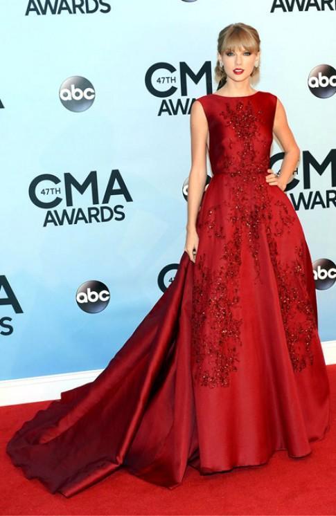 Taylor Swift và Selena Gomez cùng mặc đẹp nhất tuần