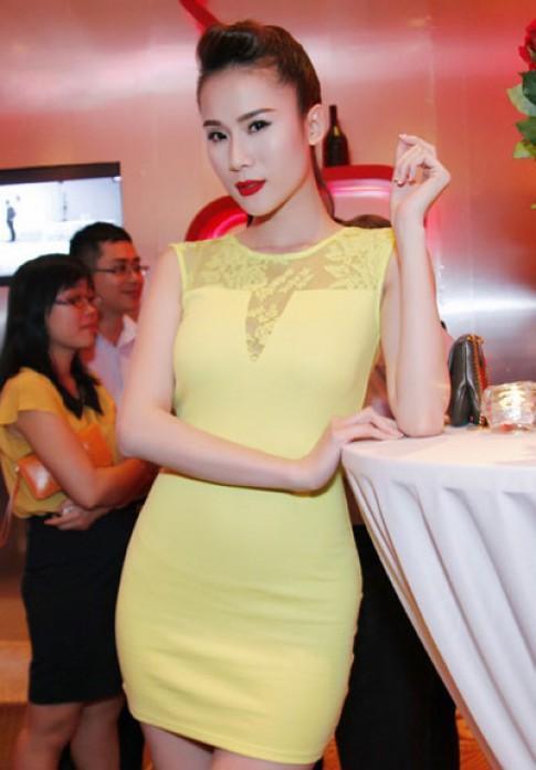 Thai Ha vang ruc du tiec