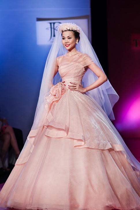 Thanh Hằng, Minh Triệu hóa cô dâu ngọt ngào