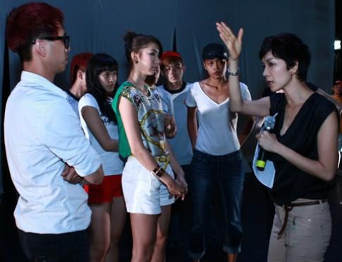 Thanh Hằng, Ngọc Quyên diễn tập cho liveshow tóc