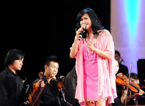 Thanh Lam mặc 'nhầm' váy gái đôi mươi