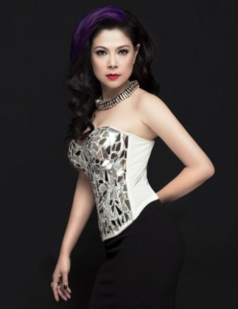Thanh Thảo khoe vóc dáng với váy ôm