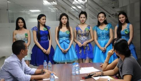 Thí sinh Miss Ngôi Sao tổng duyệt cho đêm chung kết