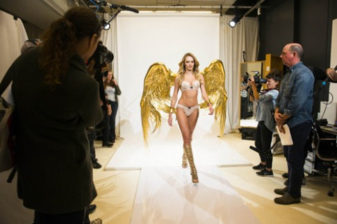 'Thiên thần' Candice Swanepoel thử nội y Victoria's Secret 2014