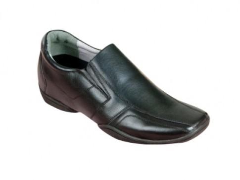 Thiết kế mới của giày cao Guciano