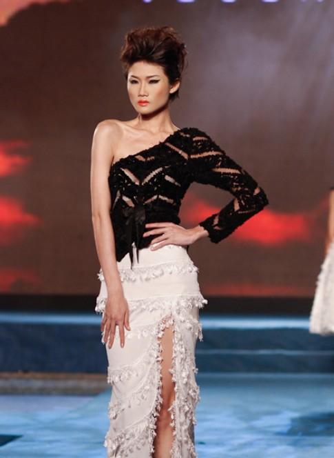 Thiết kế ren, voan quyến rũ tại tuần thời trang Việt