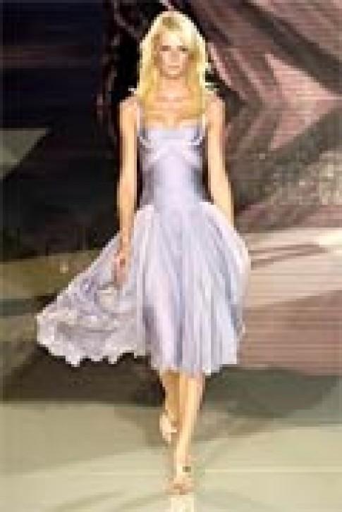 Thiết kế xuân hè 2006 của Versace