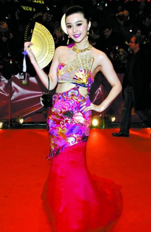 Thời trang gây cười của sao trên thảm đỏ