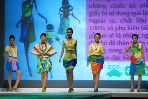 Thời trang quyến rũ từ chất liệu tái chế