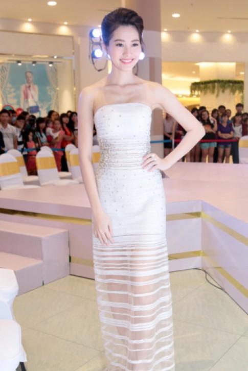 Thu Thảo, Mai Phương Thúy mặc đẹp nhất tuần với váy hở vai