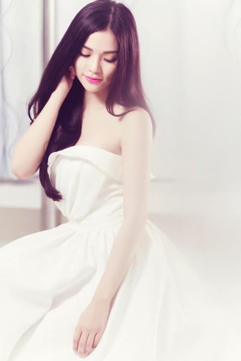 Thu Thủy 'đụng váy' với Hoa hậu Thu Thảo