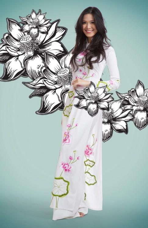Thùy Dung tinh khôi với áo dài họa tiết sen