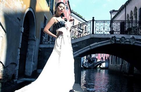 Thúy Hạnh đắm say tại thành Venice