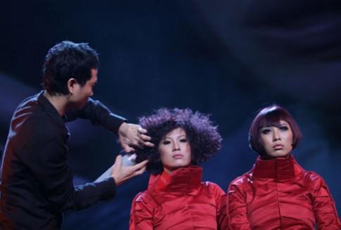 'Tỉnh thức' - cuộc trình diễn tóc đầy xúc cảm