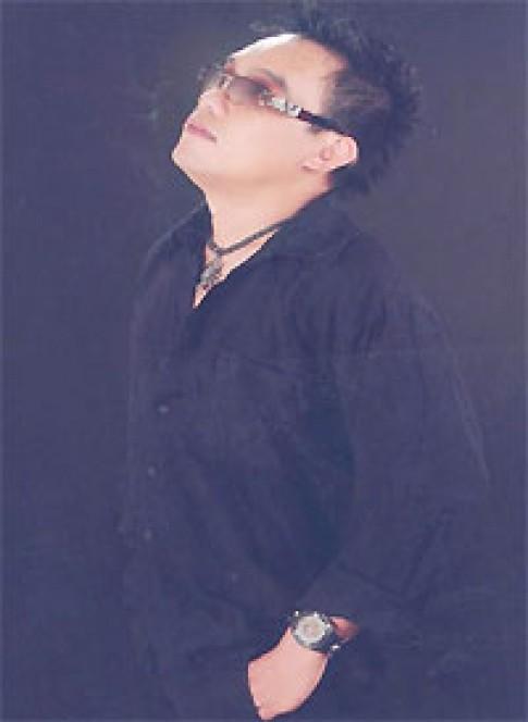 Tô Minh Thắng thích trang phục đơn giản