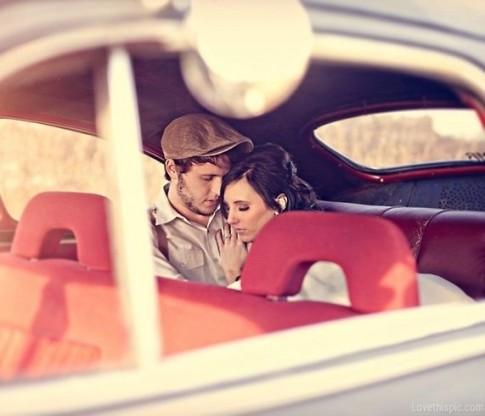 Tôi chẳng bao giờ bỏ rơi ai, chỉ có tình yêu bỏ rơi tôi...