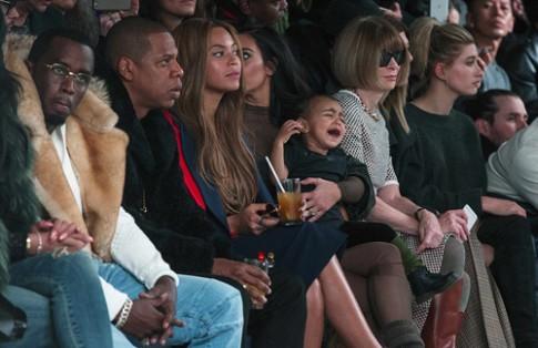 Tổng biên tập Vogue muốn cấm trẻ em ngồi ghế VIP xem thời trang