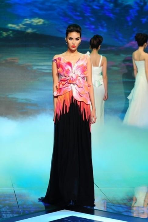 Top 5 bộ sưu tập thời trang Việt ấn tượng tháng 10
