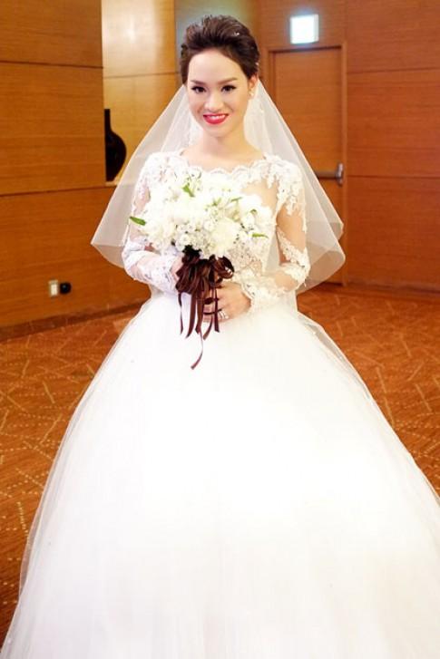 Trà My Idol diện ba mẫu váy cưới trong ngày vui