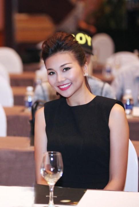 Trang Nhung, Thanh Hằng trang điểm đẹp nhất tuần