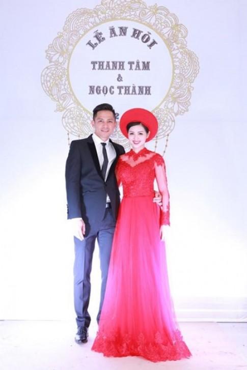 Trang phục cưới che khéo bụng bầu của cô dâu Tâm Tít