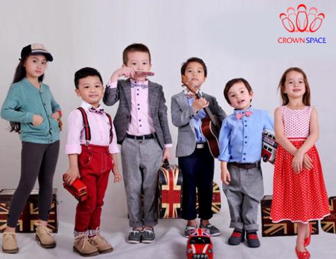 Trang phục phong cách hoàng gia cho trẻ
