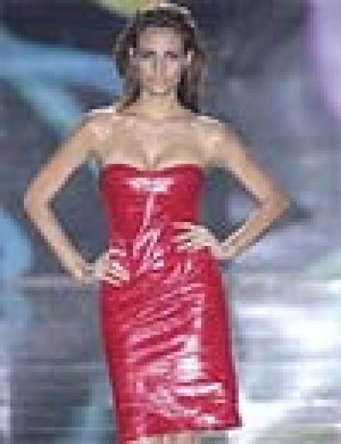 Trang phục xuân hè của Donatella Versace