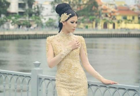 Trang Trần điệu đà váy đuôi cá