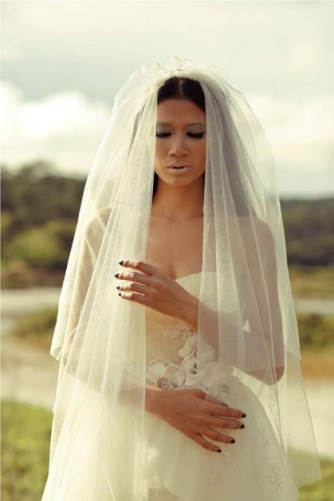 Trang Trần làm cô dâu cô đơn