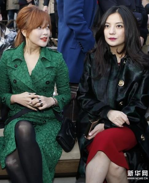 Triệu Vy, Kim Hee Sun xem thời trang ở London