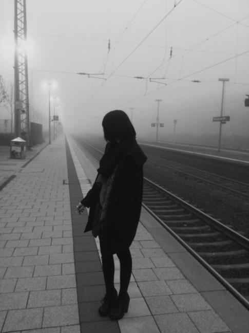 Tự tôi đau, tôi khổ và tự tôi cô đơn...