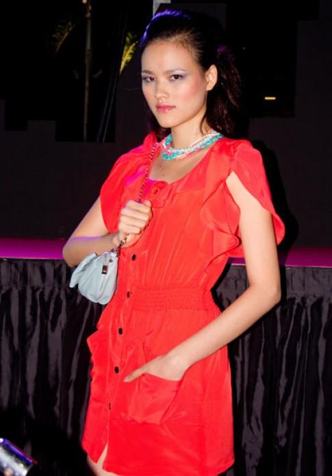 Tuyết Lan vào top 15 Asian Model Search