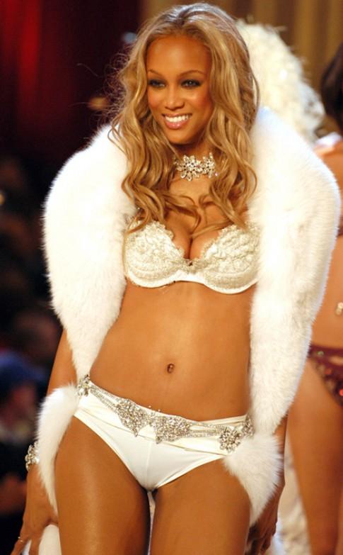 Tyra Banks từng bị chê quá béo khi làm mẫu nội y