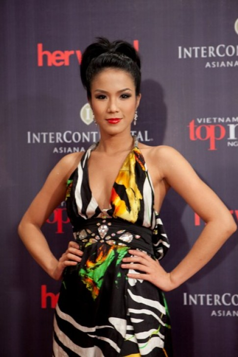 UNIQUE đồng hành cùng Vietnam's Next Top Model