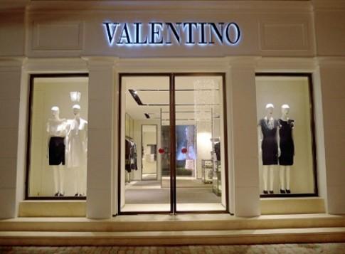 Valentino khai trương đại lý độc quyền tại Hà Nội
