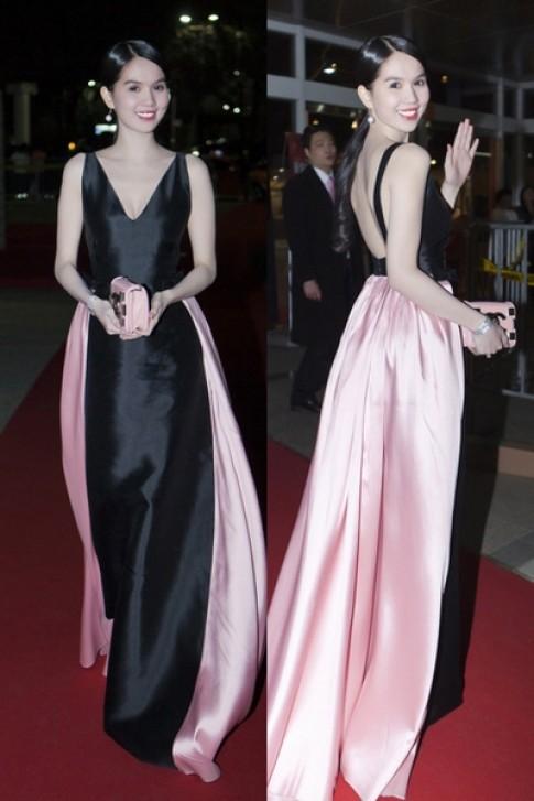 Váy 200 triệu đồng của Ngọc Trinh vào top trang phục đẹp