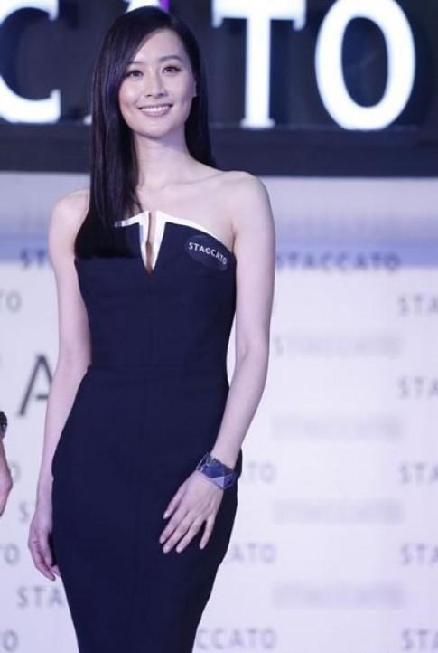 Váy áo nữ tính của Trần Pháp Lai