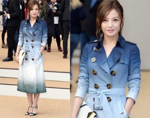 Váy áo thanh lịch của Triệu Vy