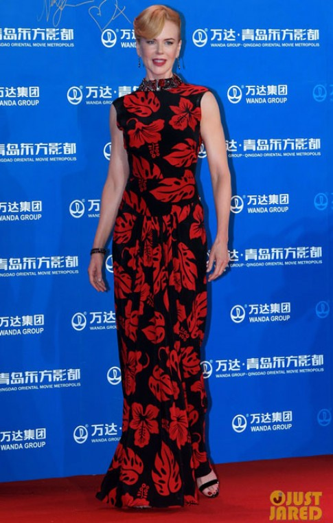 Váy của Nicole Kidman vào top trang phục đẹp nhất tuần