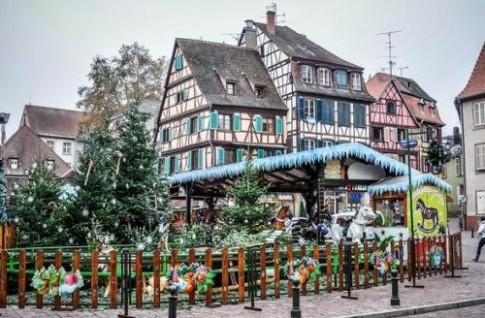 Vẻ đẹp của ngôi làng Colmar trong mùa Giáng sinh