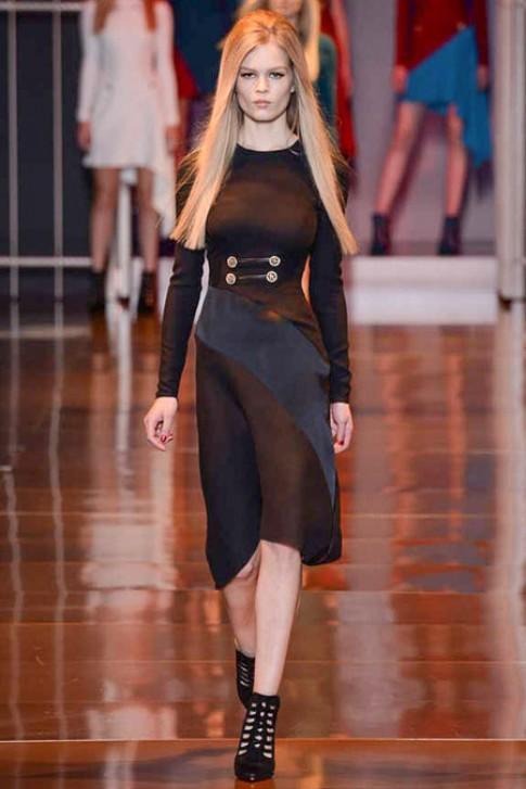 Versace cá tính với phong cách quân đội