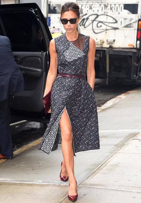 Victoria Beckham 'catwalk' trên đường phố New York