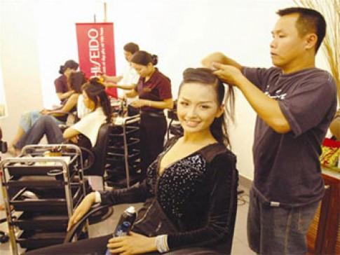 Việt Hùng: 'Nếu tủi thân tôi đã không chọn nghề này'